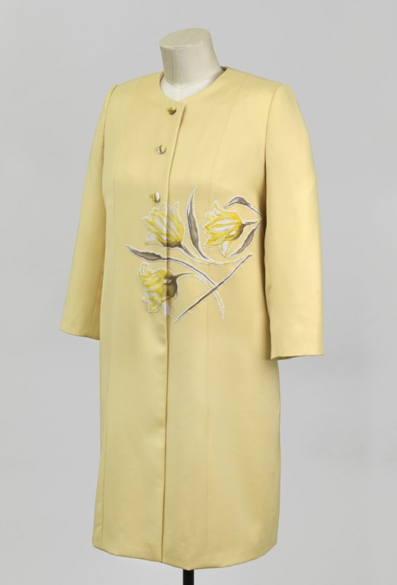Worn by The Queen to a garden party in 2014 - Royal Collection Trust/Her Majesty Queen Elizabeth II, 2015
