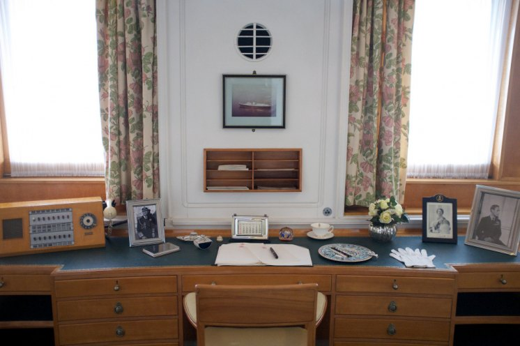 How shoudl you write to a member of the Royal Family? The Queen's desk aboard Britannia