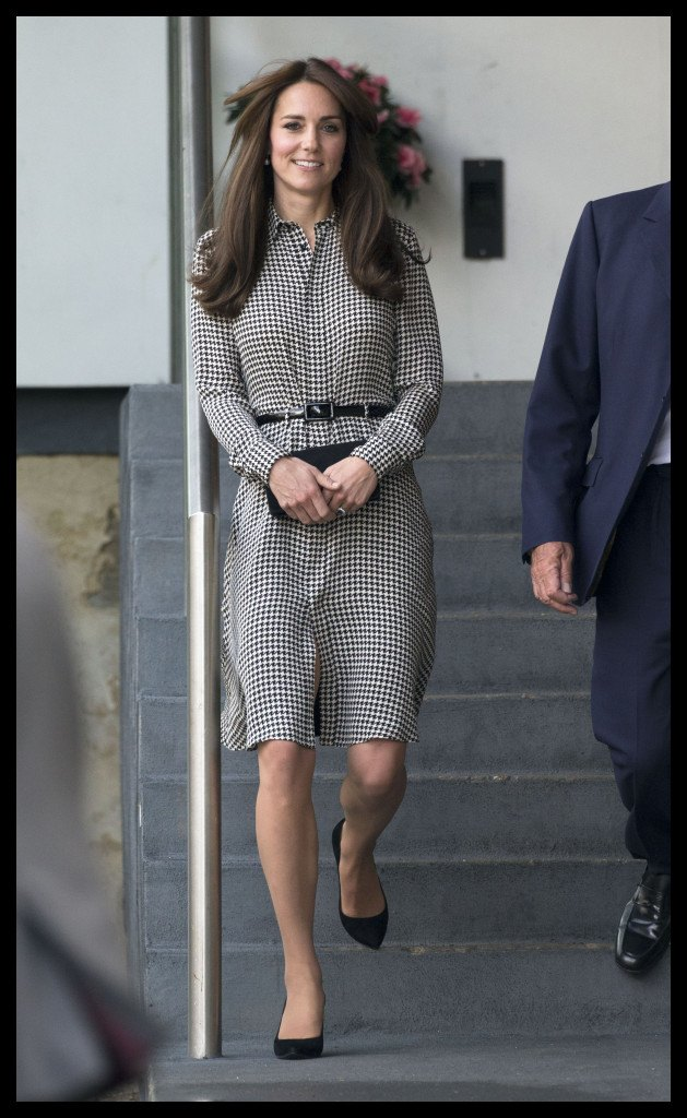 Thee Duchess of Cambridge in Ralph Lauren leaving the Anna Freud Centre. Picture by Stephen Lock / i-Images