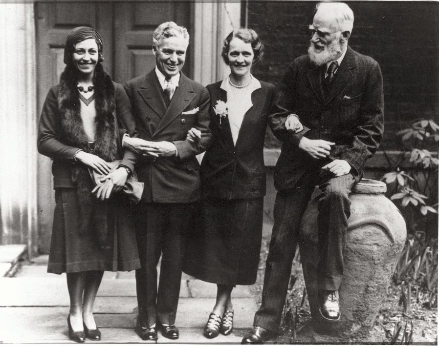 Nancy Astor (centre) with some of her society friends, including George Bernard Shaw (right) (Roderick Eime)